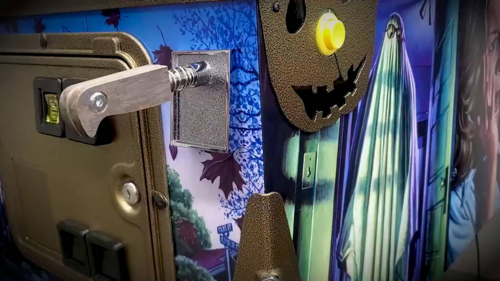 The knife shooter knob and pumpkin side rails