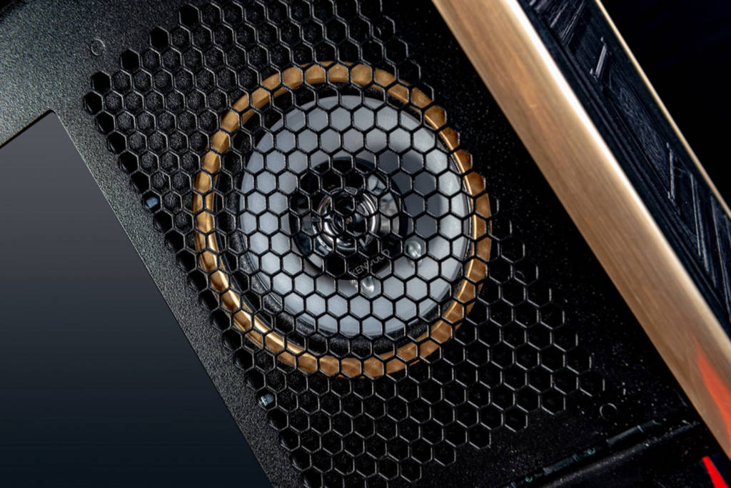 The LE features an uprated sound system with Kenwood speakers