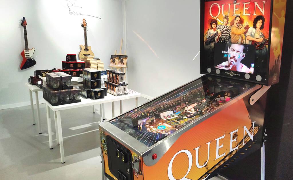 The Queen pinball machines