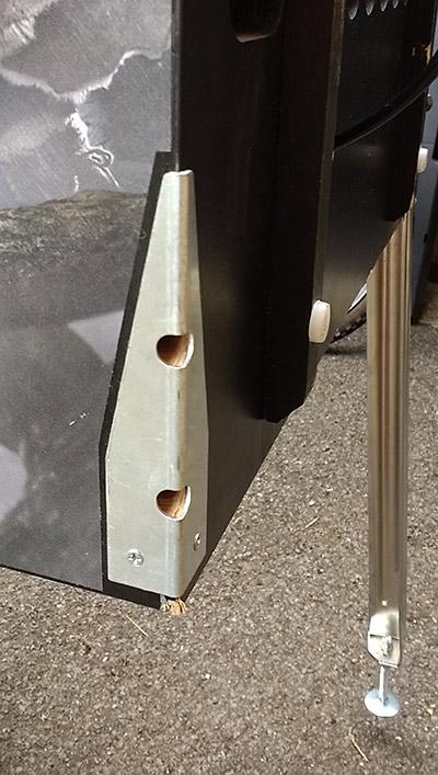 Metal leg plates