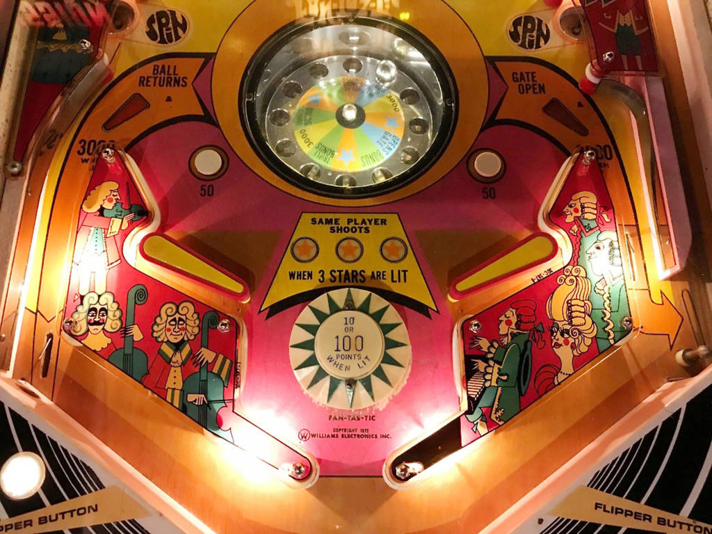 Lower playfield of Fan-Tas-Tic (Williams, 1972) Photo: Nic Schell