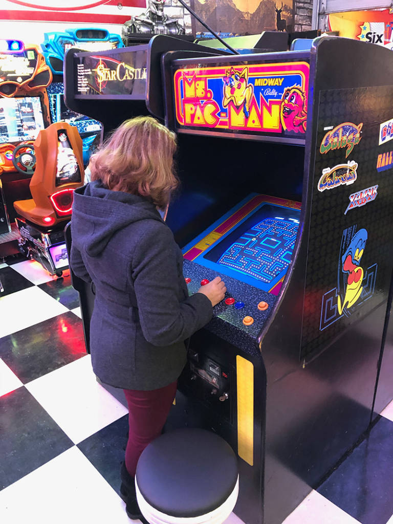 Ms. Pac-Man and Star Castle upright videos