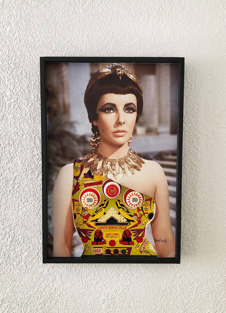 Elizabeth Taylor 'wearing' a Cleopatra playfield