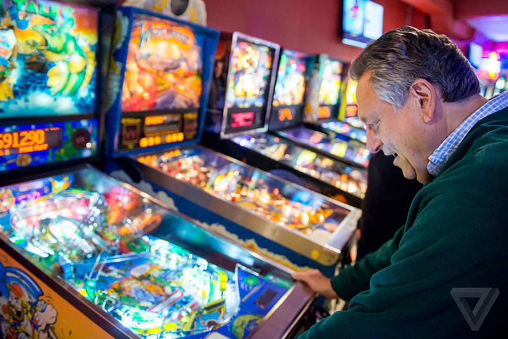 Steve Epstein playing at Modern Pinball NYC