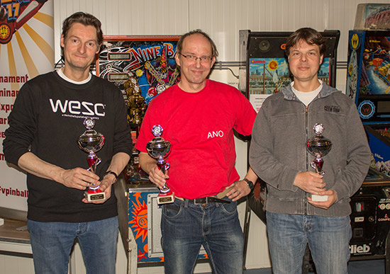 The victorious Dutch Pinball Team: