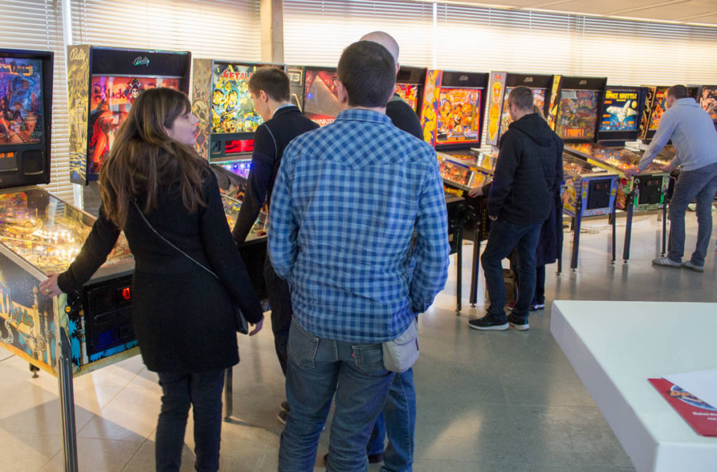 Free play machines on the ground floor