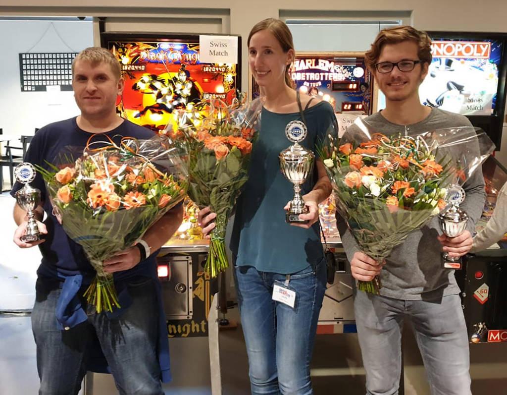 The top three in the Swiss Tournament - Kevin Roelants (3rd), Daniela Thomas (1st) & Mart Oenema (2nd)
