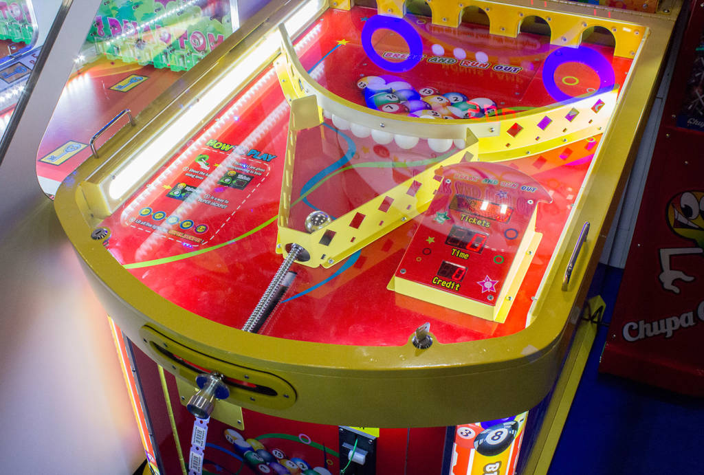 It's got a shooter rod, so it must be pinball, right?