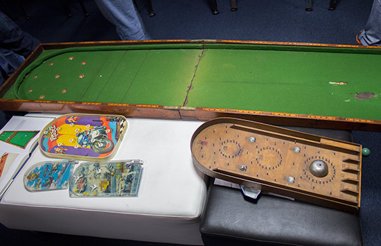 Bagatelle, early pinball and toy pinballs