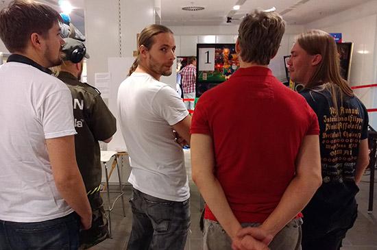 Team Sweden discuss tactics for the final