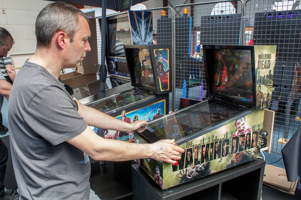 If you don't have space for a full-size pinball, here's a little alternative