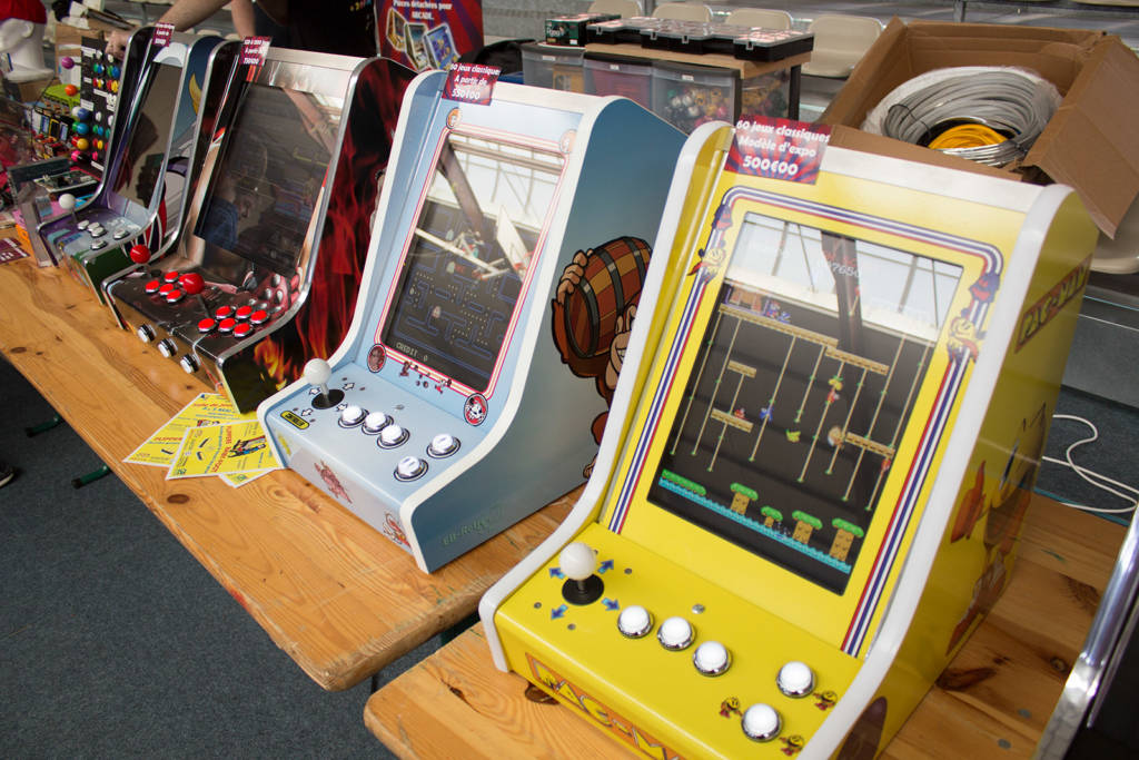 Some interesting multi-game miniature cabinets, at good prices too