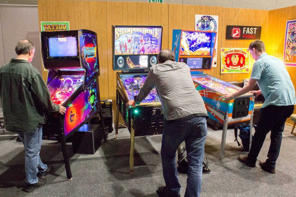 Fast Pinball had three custom games available to play