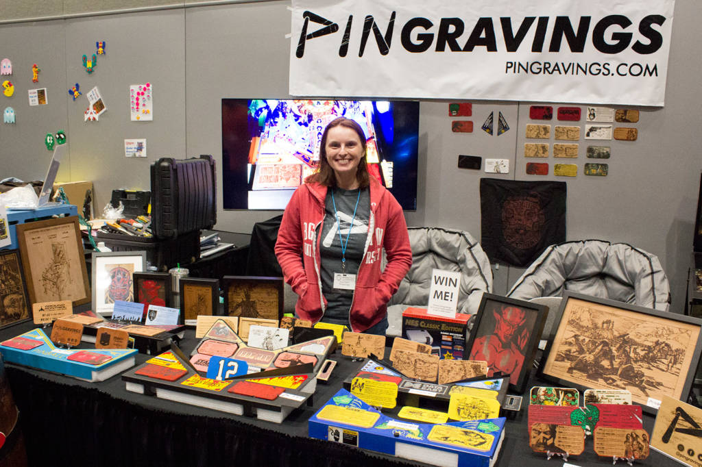 Pingraving had some attractive wooden pinball score and pricing cards