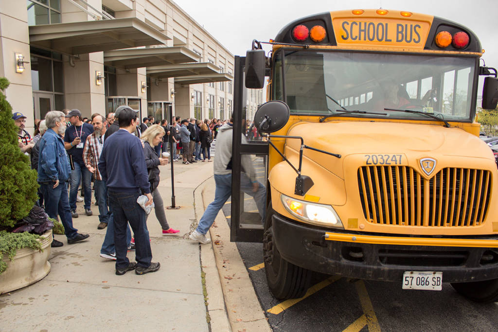 Four school buses took the Pinball Expo guests to Stern Pinball