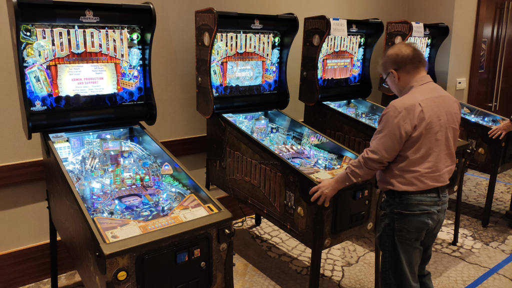 These were used for several Houdini tournaments – the main, junior and women's divisions – with the top prize a brand-new Houdini pinball