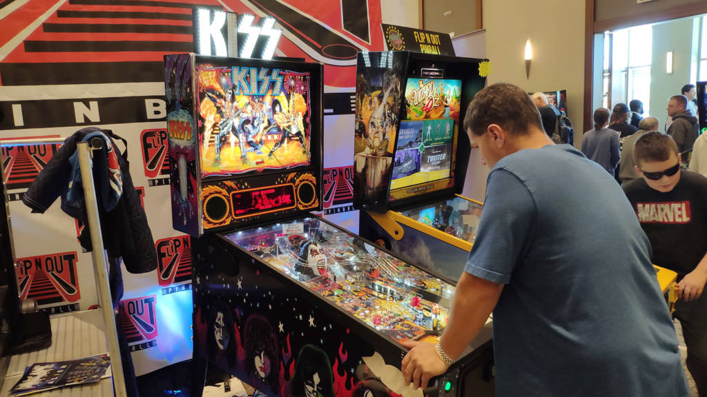 Kiss and The Wizard of Oz on the Flip N Out Pinball stand