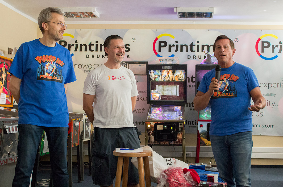 Jack thanks Marcin for the renaming of Printimus Pinball to the Jersey Jack Pinball Flipper Club