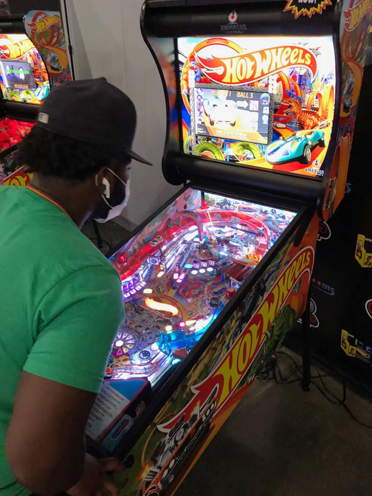 American Pinball's Hot Wheels game
