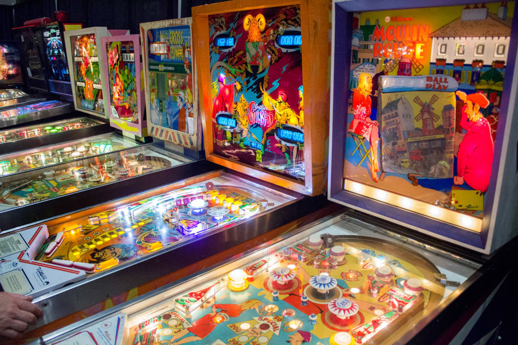 Free play machines