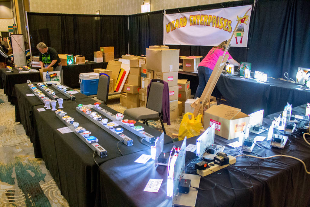 Opposite Marco, Wizard Enterprises had their stand full with illuminated pinball designs
