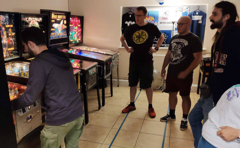 Mirko Plumari begins the final on Flash Gordon