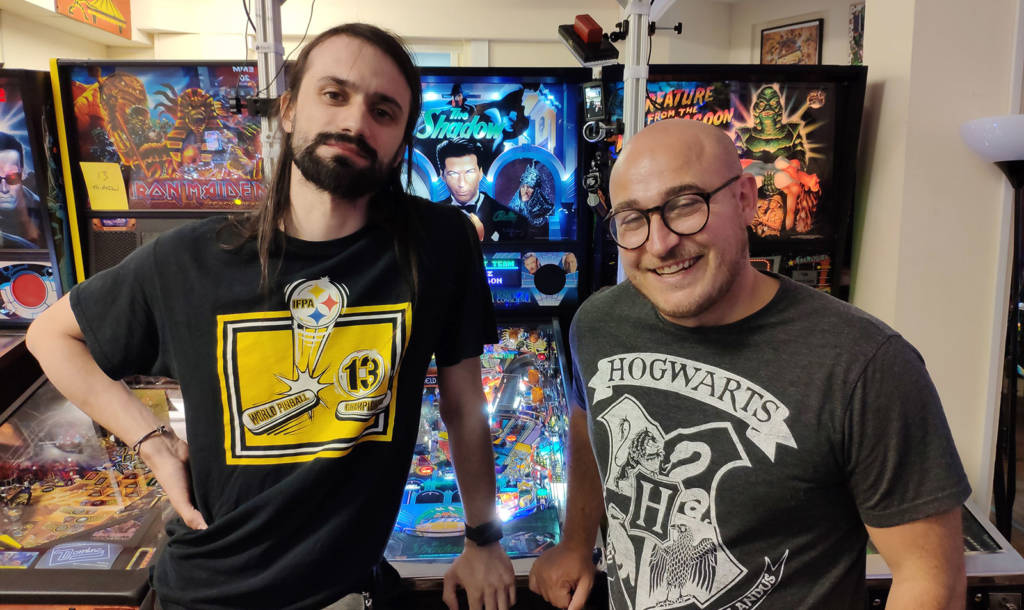 Roberto Pedroni and Craig Pullen before the start of the UK Pinball Open 2019 final
