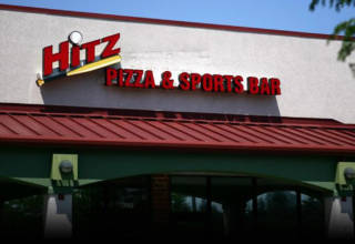 Hitz Pizza & Sports Bar in Mundelein