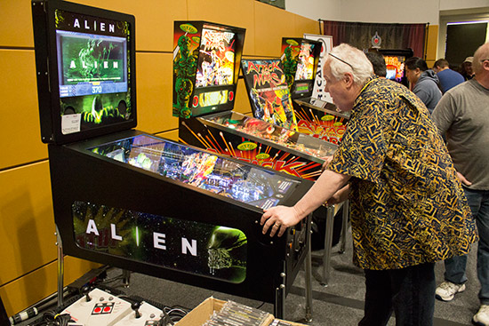 David Thiel plays Alien Pinball